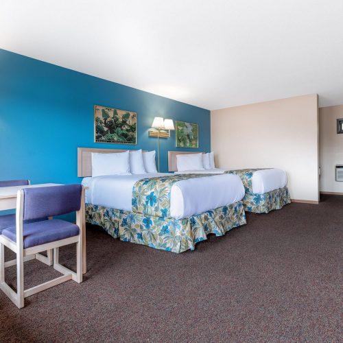Tiki 2 Queen Motel 1A